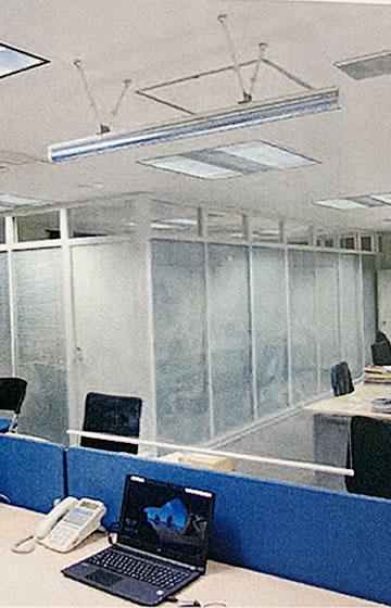 ウイルス対策 飛沫感染防止「透明ロールスクリーン」